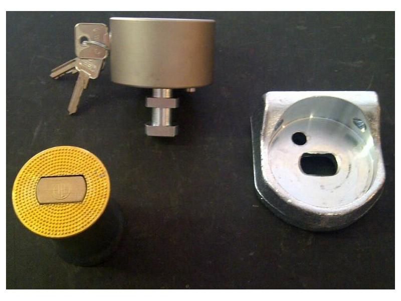Sabot blind boule ala pour rideau m tal quincaillerie for Systeme de securite pour porte de garage basculante